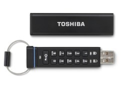Toshiba 推內建迷你鍵盤軍規級 USB 記憶體
