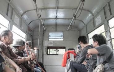 與孩子尋覓消失中的香港