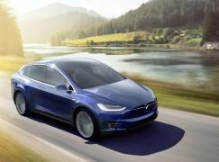 【智能車革命】Tesla軟件更新加入自動駕駛功能