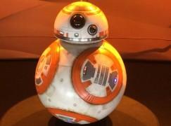 Sphero StarWars BB8 遙控機械球登港