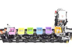 LEGO 神人又有新作:載物運輸帶