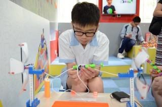 電子積本讓學生的作品成為智能產品。