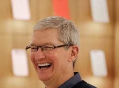 Tim Cook評新iPhone電殼:我唔會話佢凸