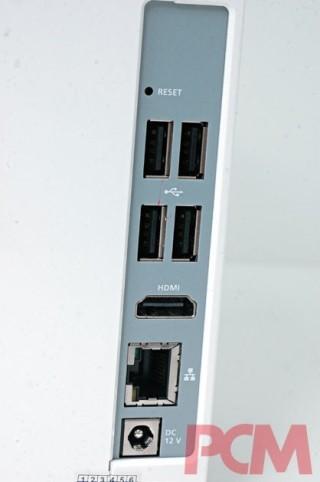 機背另有四組 USB 2.0 介面,接駁滑鼠、鍵盤後仍剩下兩組供使用。