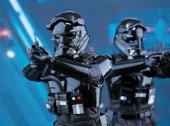 Hot Toys 《Star Wars Episode VII: The Force Awaken》 1/6 First Order TIE Pilot