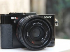 新 RX 1R II 首設可調式低通濾光鏡