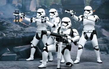 Hot Toys 《Star Wars Episode VII : The Force Awaken》 1/6 Stormtroopers