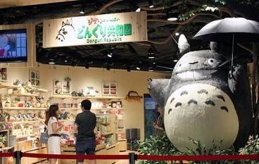 巨型飛天龍貓迎賓 宮崎駿專門店第二分店開幕