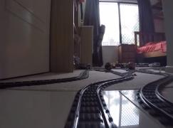 網友自製 LEGO 小火車!玩轉全間屋!