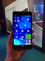 Elite x3 用上 5.96 吋規格 2K 屏幕,加上配備 Snapdragon 820 系列處理器,硬件性能已追上主流 Android 手機。