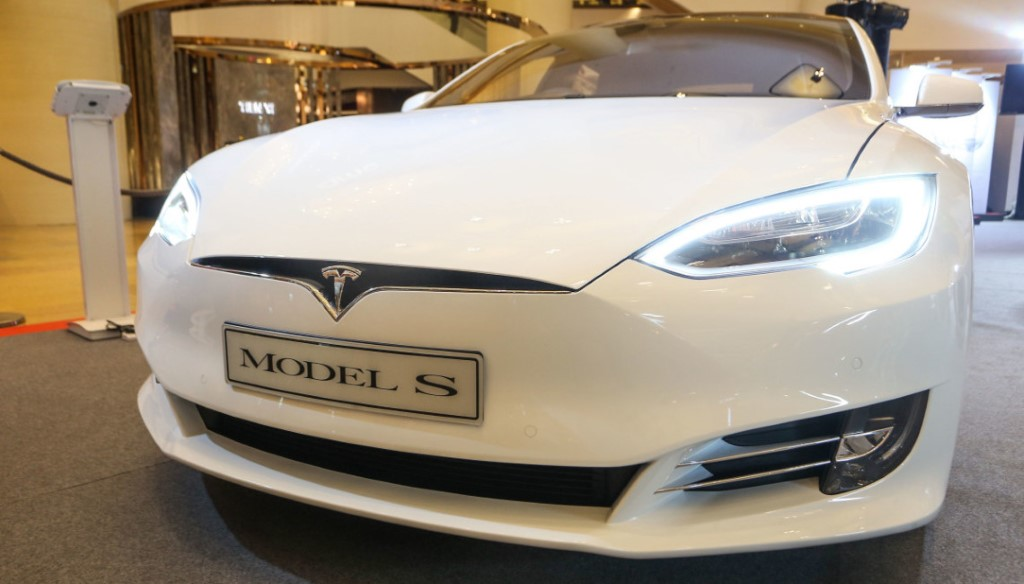 Tesla Model S 2016 新版本抵港 內外齊升級