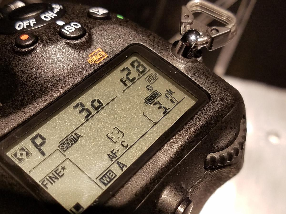 內建藍牙及 Wi-Fi 功能,可透過 SnapBridge 作遙控拍攝、瀏覽或將相片儲存於手機或平板上。