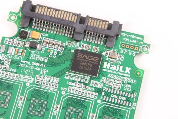 卡中採用粒晶片叫 SAGE S681BG。