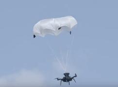 外國廠研發航拍機降落傘免自毀