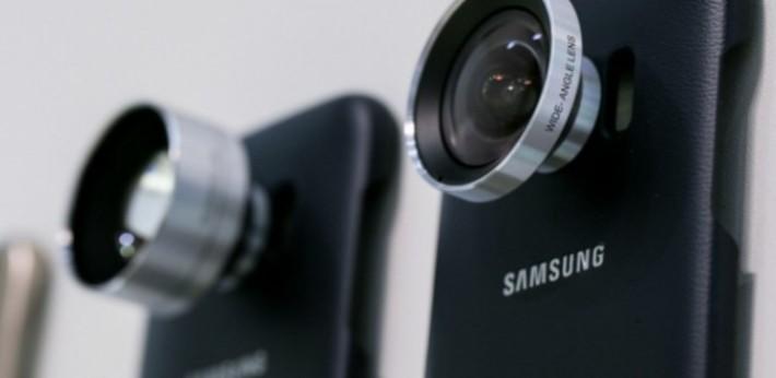 鏡頭套裝包括一支遠攝鏡及一支廣角鏡。
