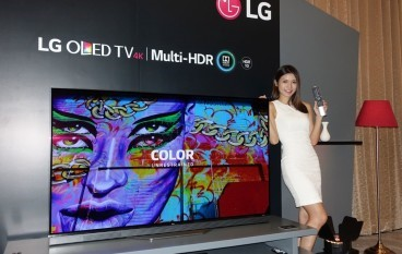 LG 77 吋超巨屏 4K OLED電視 愈大愈震撼?