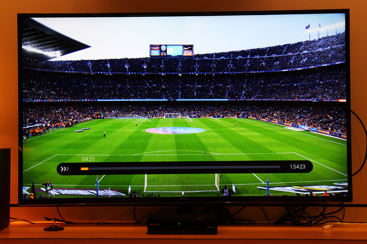 4K畫面小試,球場草地以致遠方觀眾席上的球迷,都有相當細緻的顯示。