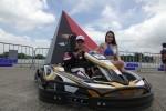 曾任賽車手的香港賽車學校創辦人冼浩明