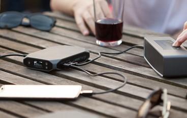 小型「尿袋」連 Macbook Pro 都充到