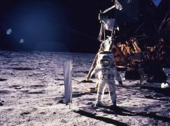 阿波羅 11 引導電腦源碼公開 網民要求插入中文檔案