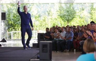 各大 IT 企業公布業績 iPhone 累積售出 10 億部