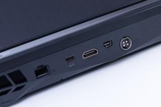 機背另有一組 USB 3.1 Type-C 介面,以及 HDMI 2.0 及 DP 雙顯示輸出。