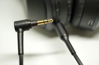 全機配備5組USB 3.0介面。