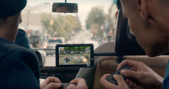 .Switch 遊戲可兩人、四人或更多人參與。