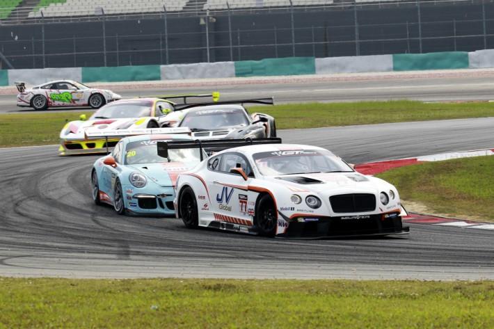 1195_car_racing_ 46_A