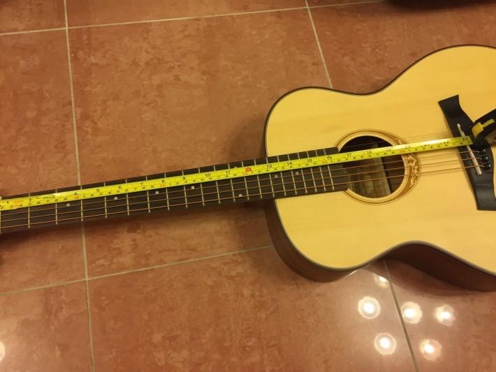 量度弦長並彈撥音調,便可從中學習數學。