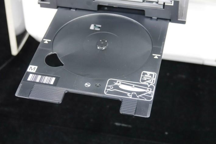 透過手機 App 就可以直接打印光碟封面了。