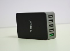平平地玩 Quick Charge ORICO QHE 5U 充電器