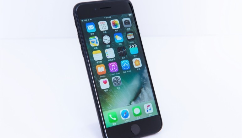 愛鬥大! iPhone 8 屏幕再升CUP