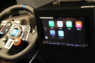KKBOX 宣布支援 CarPlay及 Android Auto,日後只要將 iPhone 或 Android 手機接上車上機頭,即可使用 KKBOX 播放音樂 。