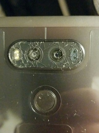 LG-V20-camera-glass-cracking-for-some-users
