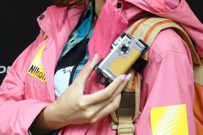 KeyMission 80 設有前後置鏡頭,方便用家作快速自拍。