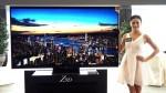 Z9D 機身邊框採用了金色裝飾,65吋號只需4尺電視櫃便可。