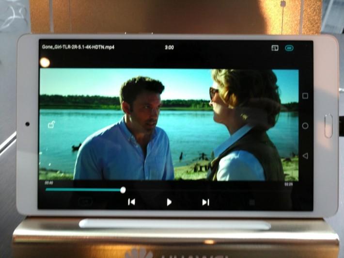 4K 影片播放流暢自然,畫面質素與色彩表現,兩者都讓人滿意。