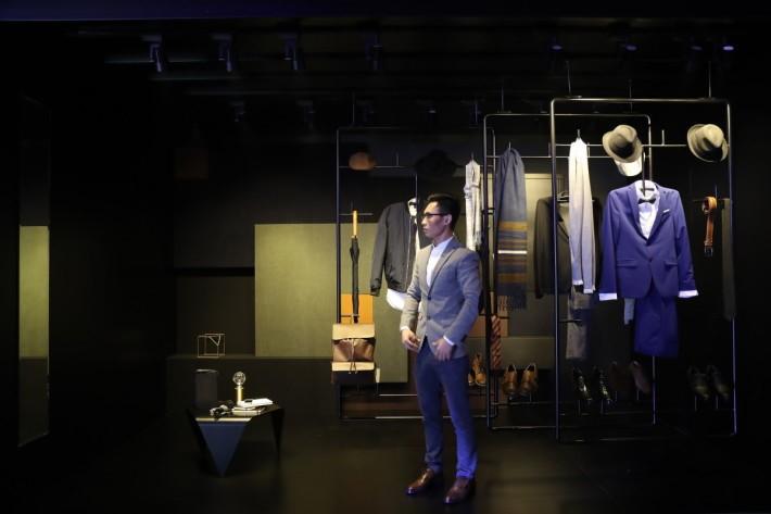 平台包含國際時尚衣飾。