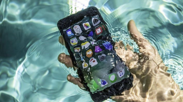 iphone-7-pool-tests-water-splash-0071