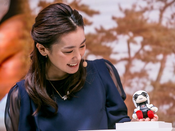 toyota-2015-world-of-toyota-article-news-events-kirobo-mini-gallery-image-07_tcm-11-559777