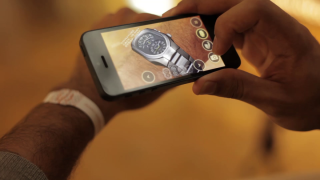 Visionaries 777 利用軟件,讓用家模擬手表的試戴效果。