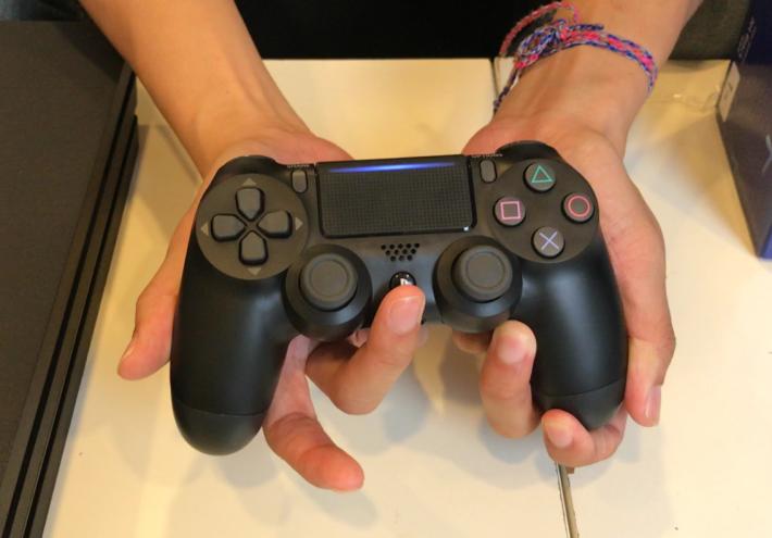 PS4 PRO 1