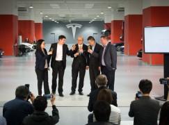 Tesla 全球最大維修中心落戶香港