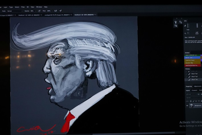 插畫家 Cuson 在短短 15 分鐘,就已畫出一幅層次豐富的人像畫。