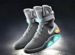 香港人80萬投得《回到未來》自動綁帶運動鞋