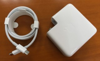新 MacBook Pro最大的負累其實是火牛和充電線。
