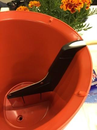 盆內有感應器,以監察各種成份。