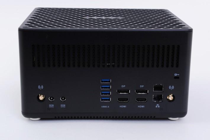 內置無線網絡,放在客廳使用就最方便。