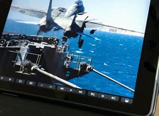 iPad 上的 Touchbar 用法跟真正的 Touchbar 一樣。當然啦,因為 Touchbar 本身也不過是一個 Retina 屏幕嘛。